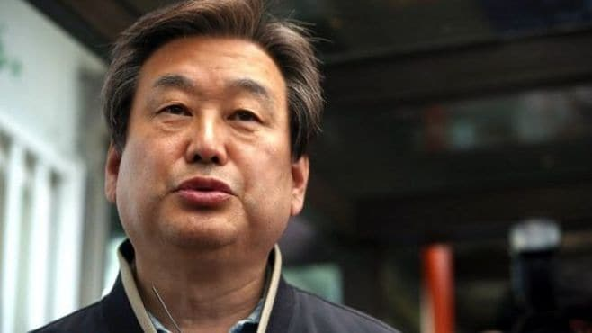 韓国総選挙、与党の「衝撃的惨敗」が映すもの