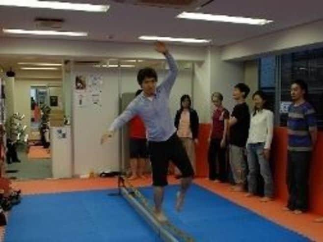 """インナーマッスルを刺激する""""綱渡り"""""""
