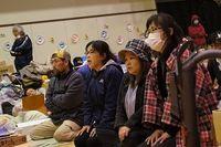 石巻市が21日の小中学校再開を前に住民に避難所からの移動を急遽要求、拙速な方針に住民が猛反発