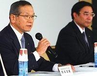 """富士通社長辞任の謎、""""病気療養""""は本当か、社内には不穏なうわさも"""