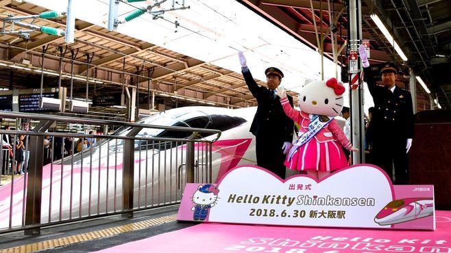 世界が絶賛、「ハローキティ新幹線」の衝撃度