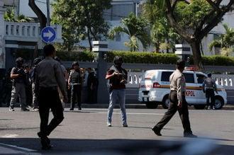インドネシア、警察の建物外でまた自爆攻撃