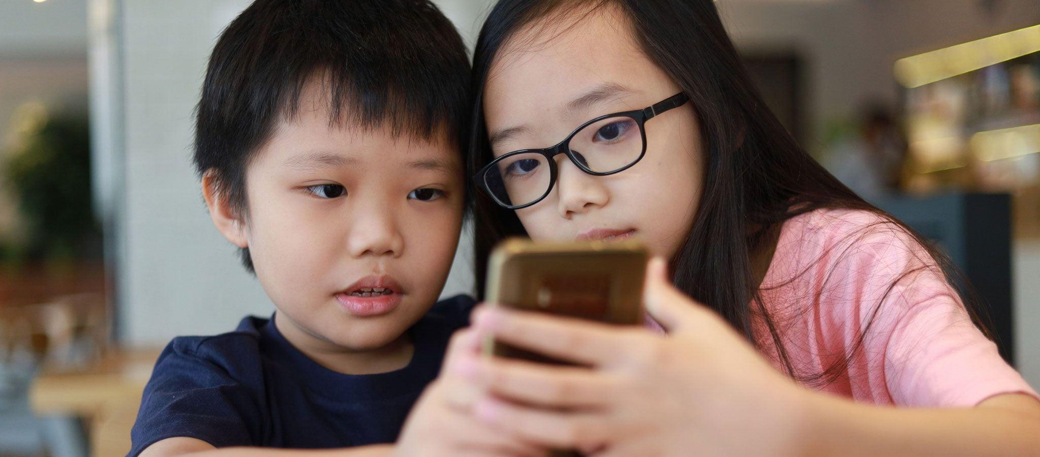 子どもに「スマホは悪」と考える大人の短絡的視点