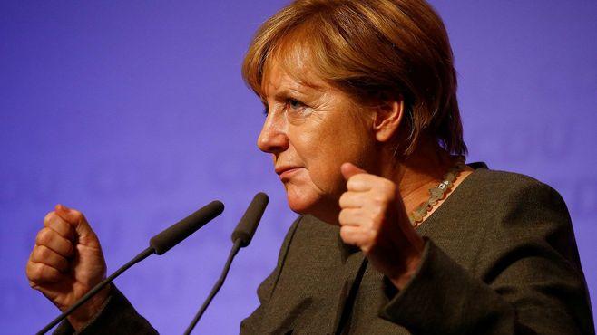 総選挙勝利でも弱体化する「メルケル政権」