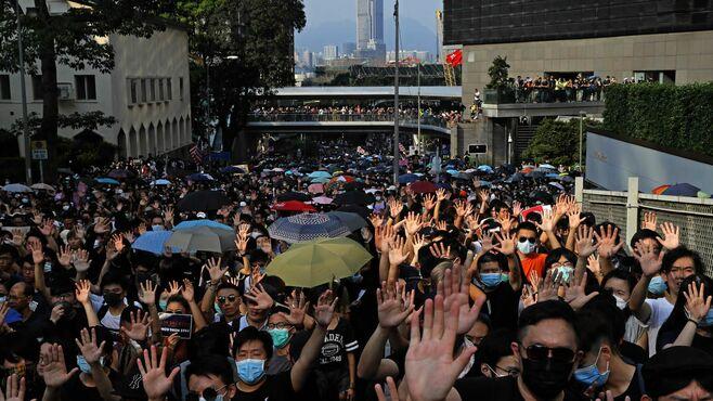 香港デモの若者を市民は見放しつつある