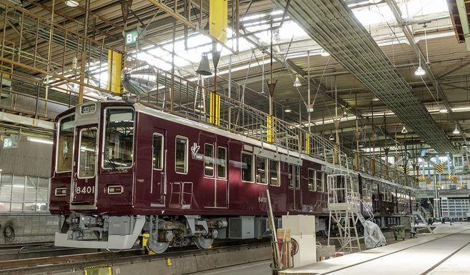 阪急電車「美しいマルーン色」の秘密は塗料だ