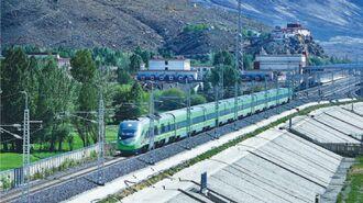 チベット東南部を貫く「拉林鉄道」開通の背景