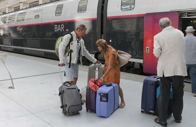 新幹線「最後部座席後ろの空間」は誰のものか