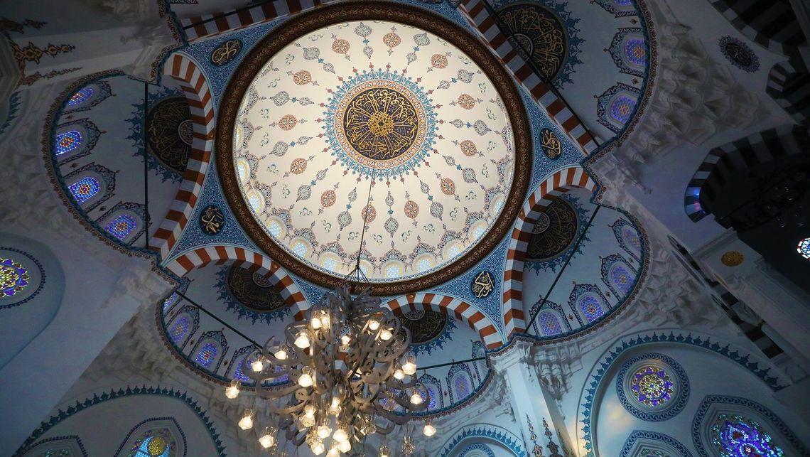代々木上原にそびえ立つ「巨大モスク」の来歴