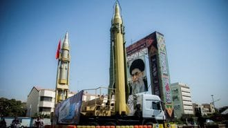 イラン強硬派を喜ばせる「トランプ発言」