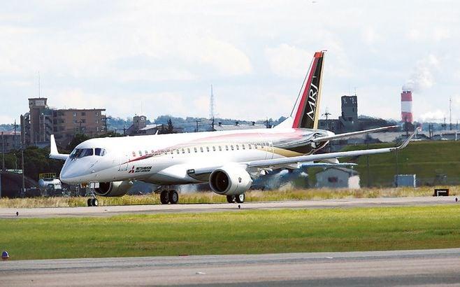 「日の丸ジェット」MRJ、業界再編で増す不安