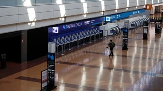 日本が外国人の「一律入国拒否」を貫く大問題