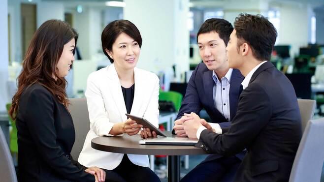 「誰にでも社交的」目指す日本的会社員の問題点