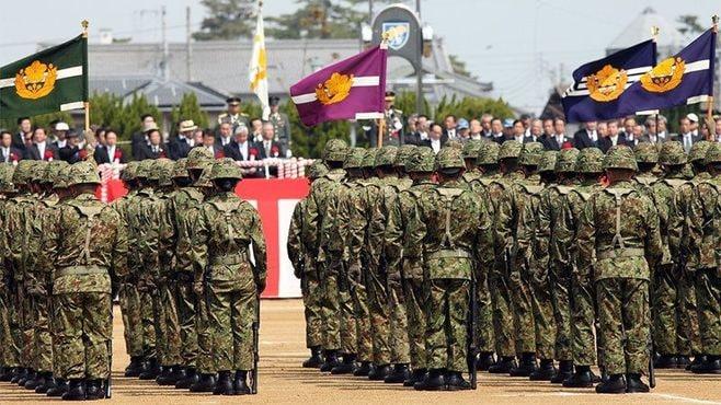 自衛隊に迫る真の危機、誰が日本を守るのか