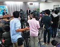 権益に固執するメディア、記者クラブが日本の情報発信を阻害する-上杉隆