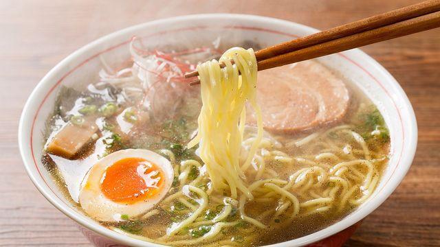 高カロリーの「麺類」でも、カロリーを気にせずお腹いっぱい食べられる方法がある!?(写真: セーラム /PIXTA)