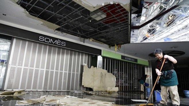 新千歳空港の「天井」はどうして落下したのか