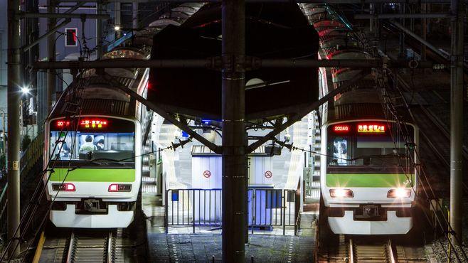 「深夜1時半過ぎも走る電車」は何本あるのか