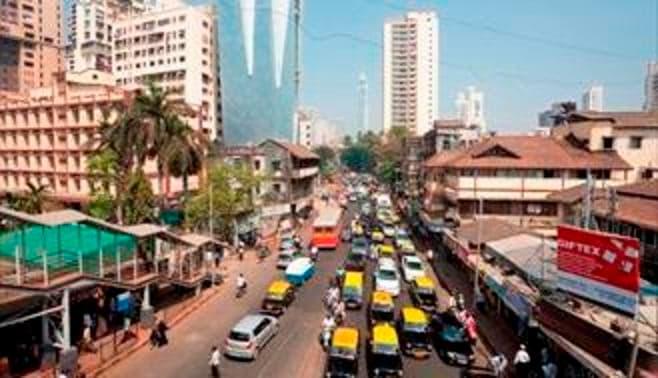 スラム人口1億人、めまいするインドの難問