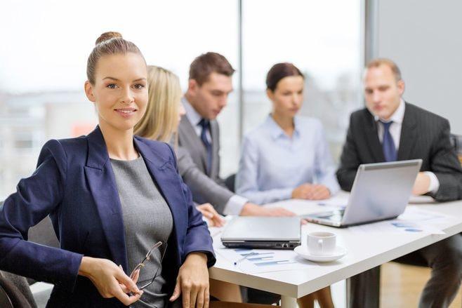 男中心の職場で一目置かれる女は何が違うか
