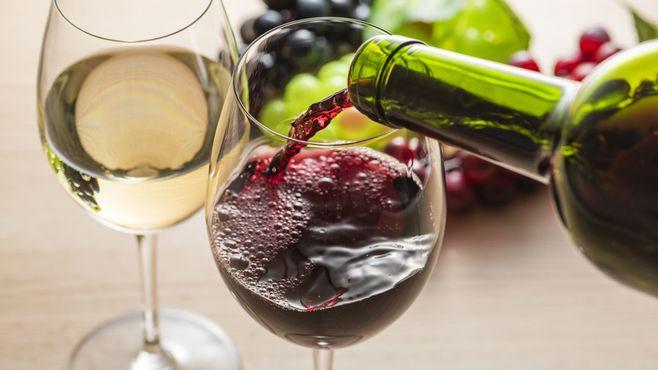 「ワインの手土産」絶対に失敗しないプロの選択
