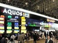 シャープが堺・亀山の大型液晶工場を休止、真相は大震災でなく販売不振