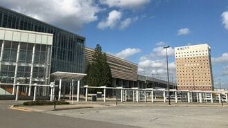 郊外の「ポツンと新幹線駅」、集客をどう図るか