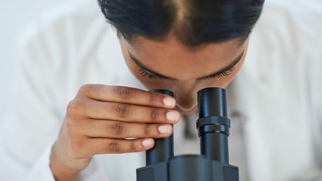 ピンチ!がん治療の危機を招く「病理医」不足