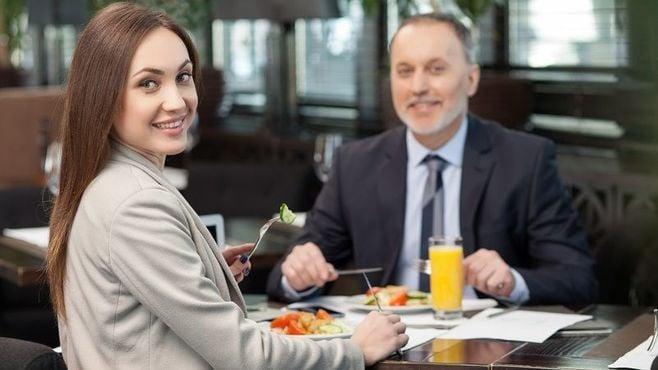 部下を食事に誘うための「完璧マニュアル」
