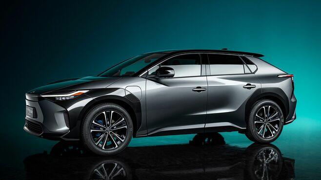 トヨタ、過熱する「電池投資合戦」に慎重な理由