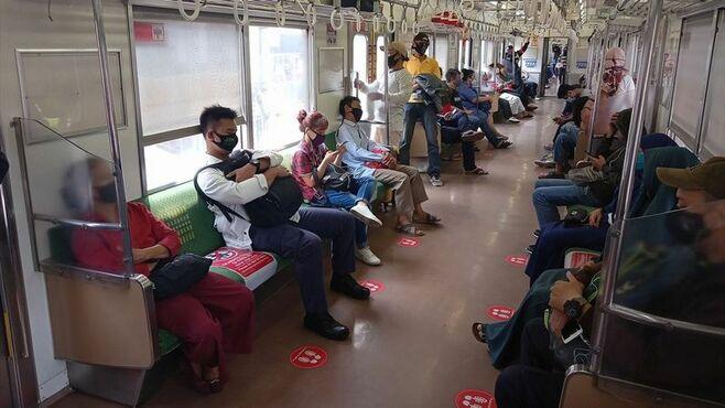 「窓開け」NG、ジャカルタ通勤電車のコロナ対策