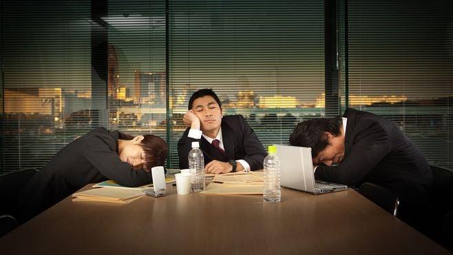 日本の会社員がやたら疲れている根本的理由