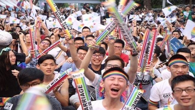 「同性婚」合法化へ動き出す、台湾の光と影