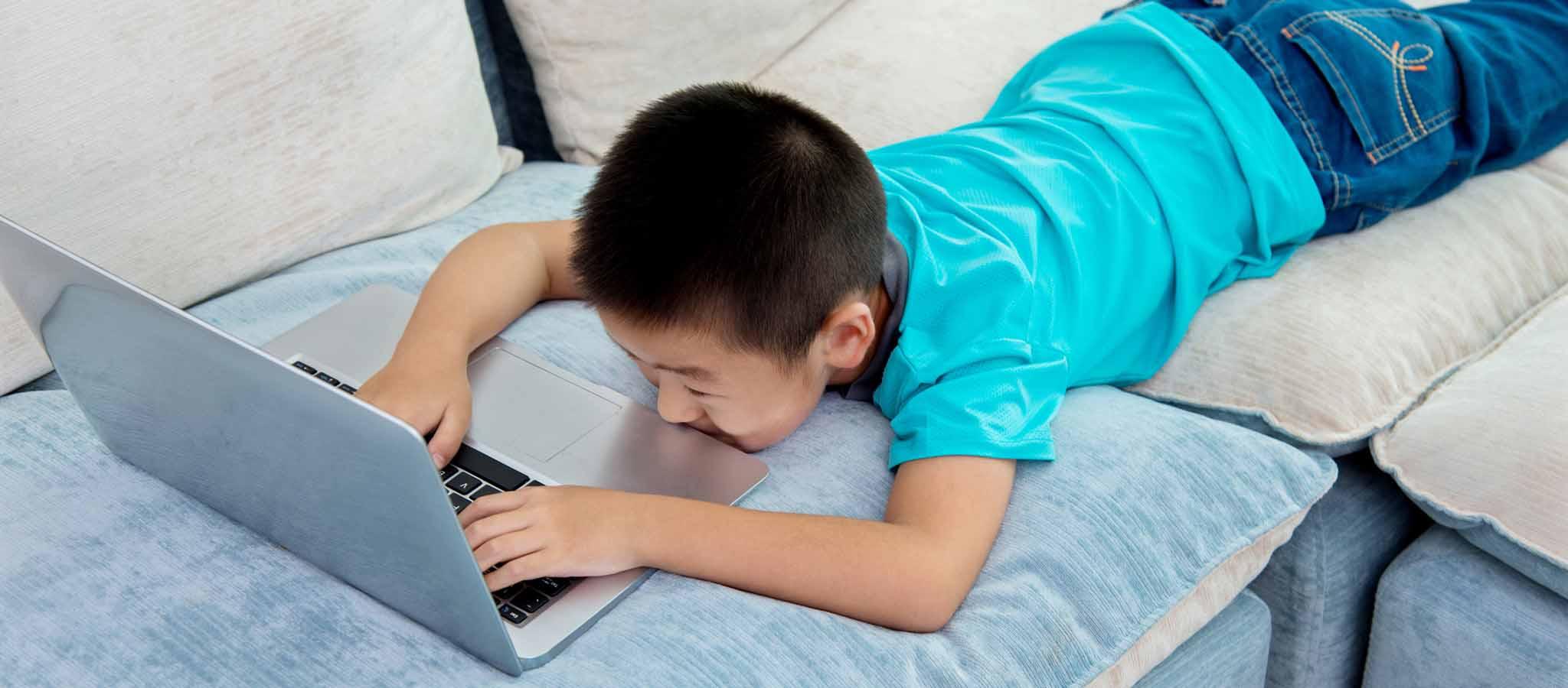 勉強以外で利用も「小中1人1台PC」トラブルの実態