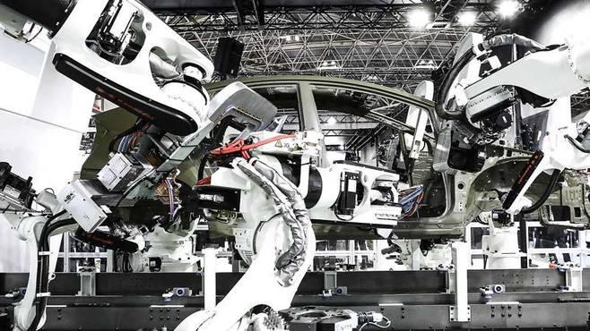 ビル・ゲイツが賛同するロボット税とは何か