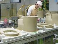 TOTOが最新鋭トイレ工場を稼働、生産性25%アップ、国内新設は23年ぶり、将来の工場再編も視野