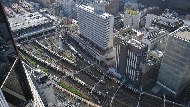 トイレ行く暇ない「列車が見えるホテル」の魔力