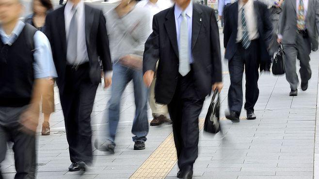 働く人が減れば生産性は向上、賃金も上がる