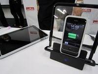 ACアダプタなしでアイフォーンを充電!村田製作所が新システムを発表