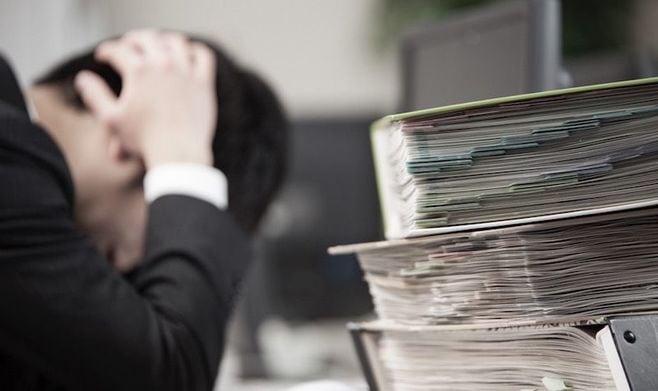 「過労死白書」から見える、長時間労働の実態