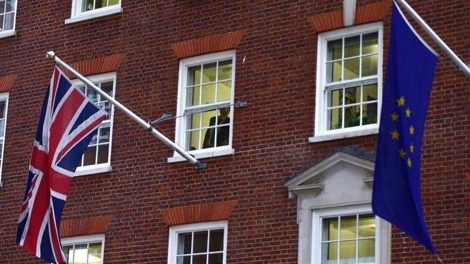 イギリスのEU離脱は、「名誉なき孤立」を招く