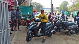 ホンダのスクーターがインドで爆走する理由