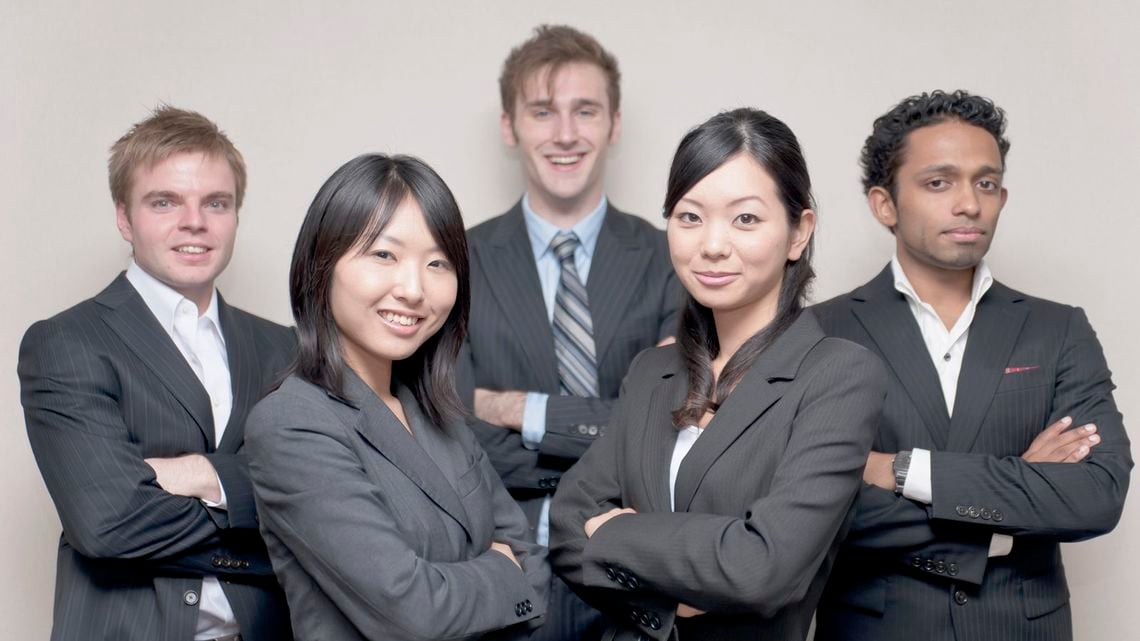 外国人と働く日本人にありがちな...