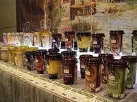 ファミリーマートがチルド飲料の独自ブランド販売へ