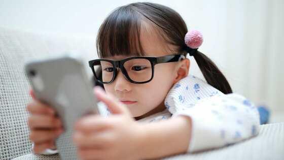 子ども「視力1.0未満」最多、近視に外遊びが効果的