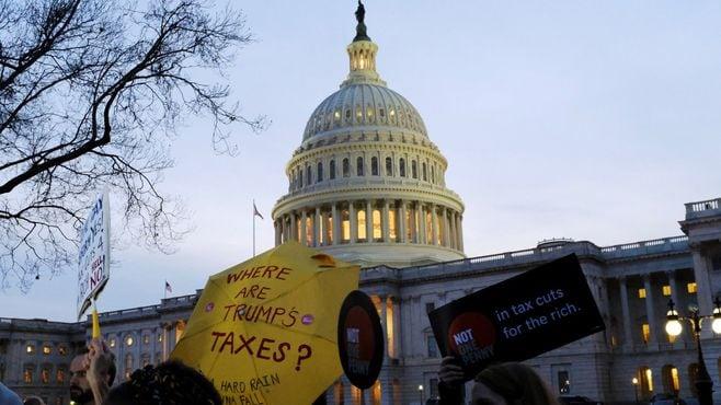 米国の民主主義を脅かす4つの「構造的脅威」