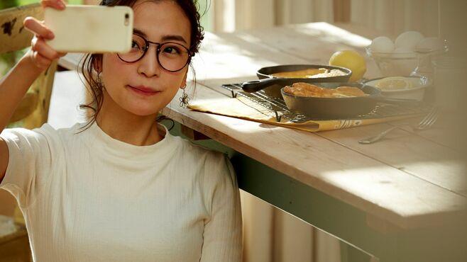 顔を出さない「自撮り」が日本の若者に広がる訳