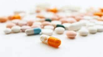 新薬承認のキーマンに流れる製薬マネーの驚愕