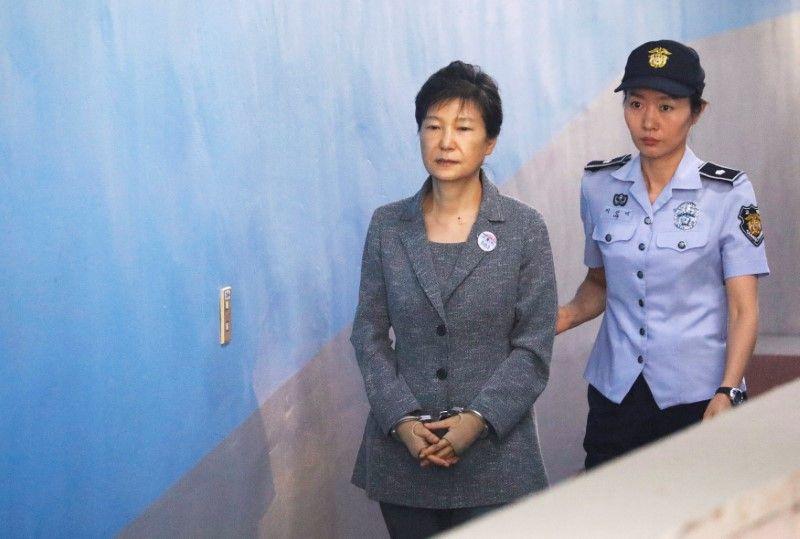 韓国検察、朴槿恵前大統領に懲役3...