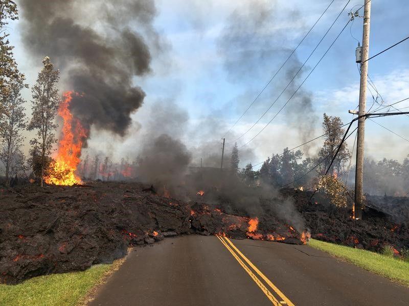 キラウエア火山噴火、住宅26軒倒...
